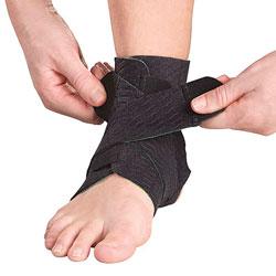 Фиксаторы, бандажи - Лодыжка, Mueller Green Adjustable Ankle Support, Мир-Спорт - спортивная медицина, ортопедия